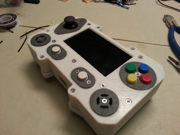 A Raspberry Pi powered portable emulation machine. Now you can take your retro gaming anywhere you go. -- http://www.thingiverse.com/thing:321624